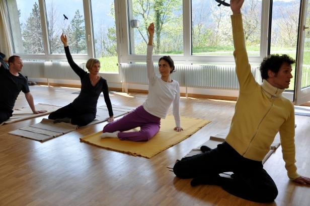 Bewusstheit durch Bewegung, Feldenkrais Gruppenunterricht